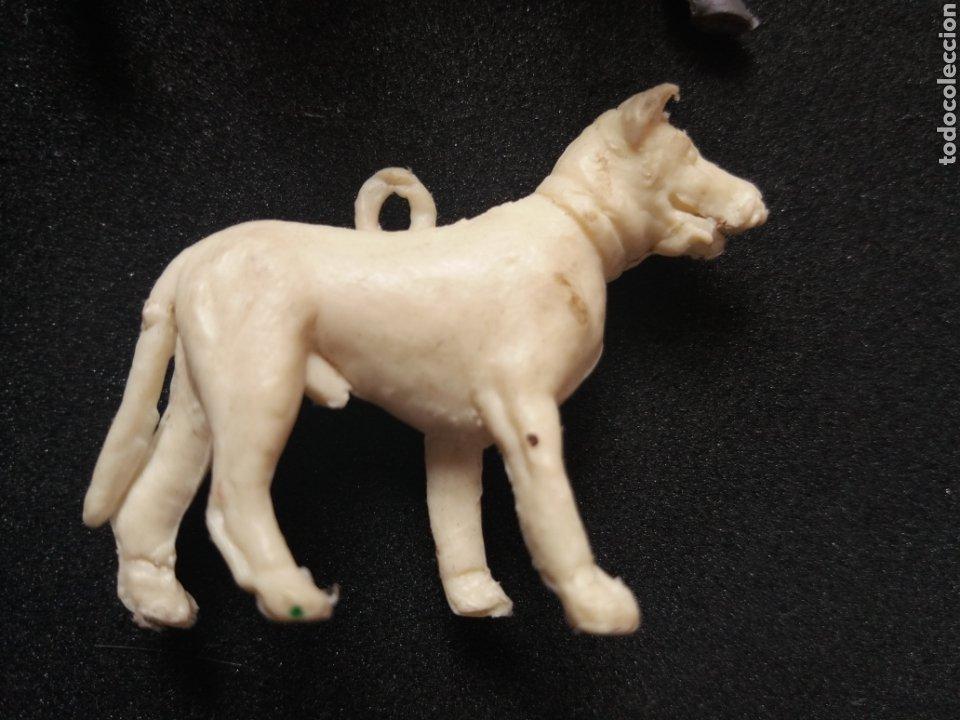 Figuras de Goma y PVC: Antiguas Figuras en Plástico. Burro y/o Asno, Perro. Pipero, kiosko, etc ( Sin Marca ) - Foto 3 - 194028840
