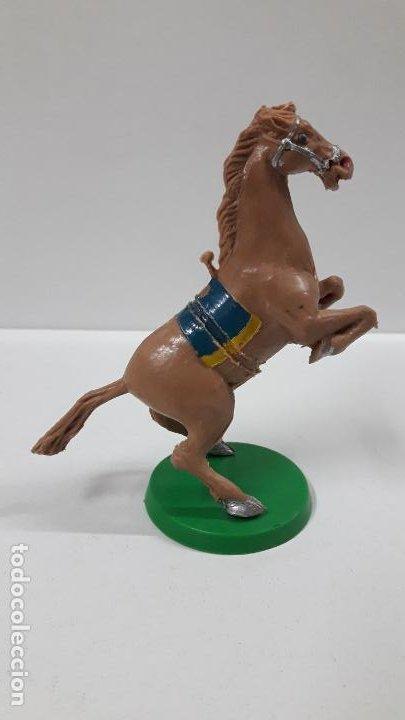 Figuras de Goma y PVC: CABALLO MARRON CON BASE . REALIZADO POR ESTEREOPLAST . ORIGINAL AÑOS 60 - Foto 3 - 194108358