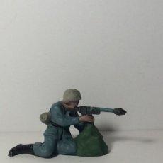 Figuras de Goma y PVC: FIGURA SOLDADO ALEMAN EN PLASTICO DE PECH 74. Lote 194182757