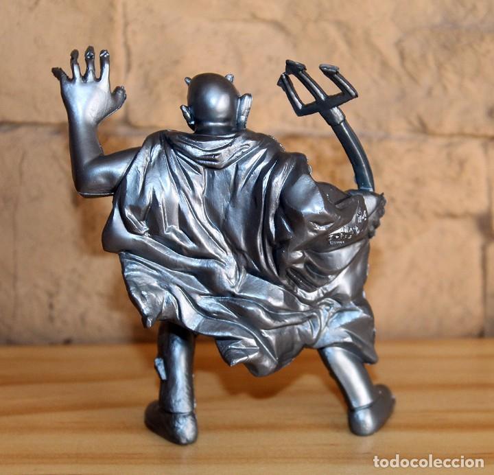 Figuras de Goma y PVC: SUPER MONSTRUOS - FIGURA DEL DIABLO - YOLANDA COMANSI - PINTURA PLATEADA METALIZADA - Foto 3 - 194203185