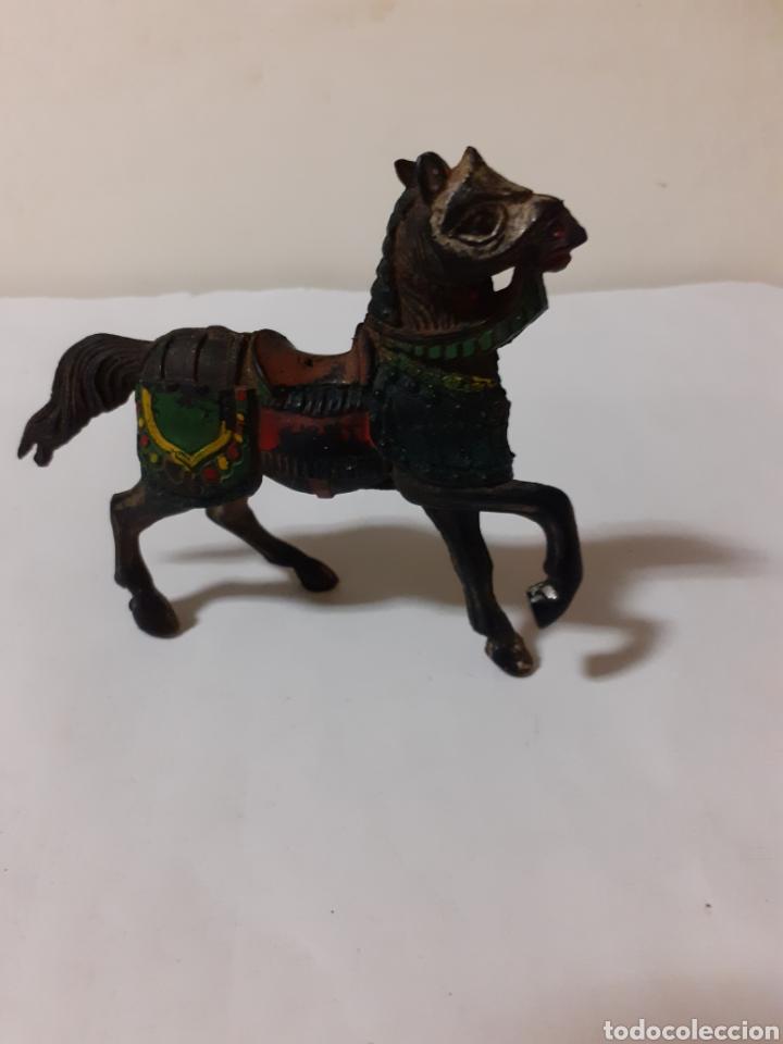 FIGURA CABALLO MEDIEVAL EN GOMA REAMSA (Juguetes - Figuras de Goma y Pvc - Reamsa y Gomarsa)