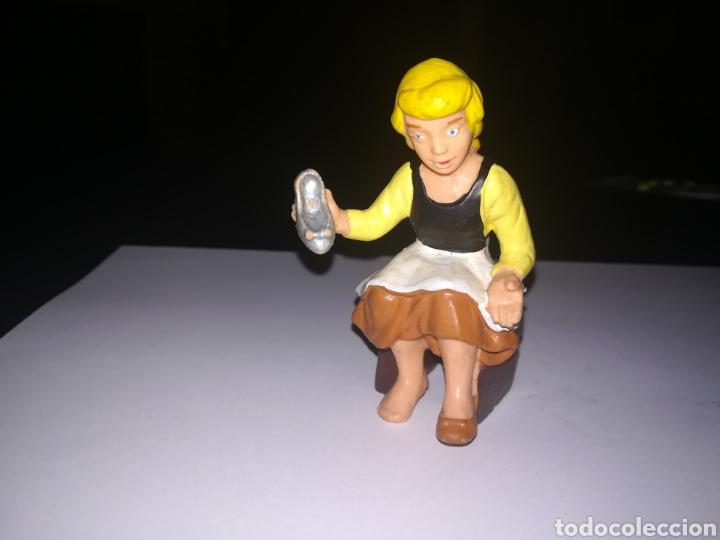 WALT DISNEY FIGURA DE PVC LA CENICIENTA BULLY AÑOS 80 (Juguetes - Figuras de Goma y Pvc - Bully)