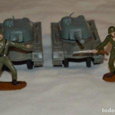 Figuras de Goma y PVC: 2 SOLDADOS AMERICANOS Y 2 TANQUES / DE COMANSI / NOVOLINEA - ANTIGUOS - PLÁSTICO / PVC ¡MIRA FOTOS!. Lote 194287285