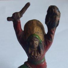 Figuras de Goma y PVC: ANTIGUO INDIO DE REAMSA N°68 PINTADO A MANO. Lote 194288652