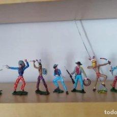 Figuras de Goma y PVC: LOTE VAQUEROS E INDIOS LAFREFO TAMAÑO GRANDE . Lote 194293923