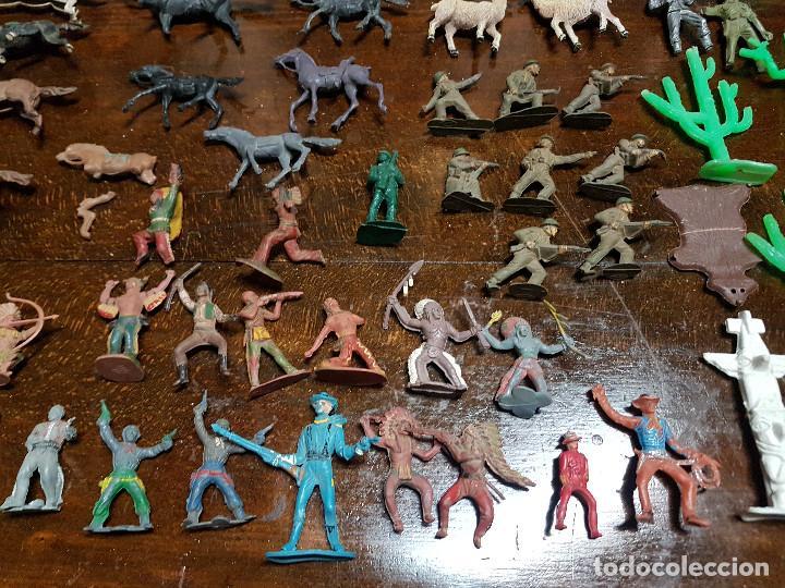Figuras de Goma y PVC: 105 figuras Reamsa, Comansi, Pech, jJecsan años 40/50 indios, vaqueros, militares, soldados animales - Foto 6 - 194305117