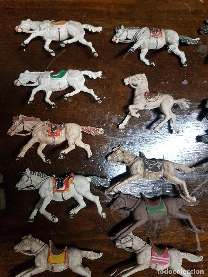 Figuras de Goma y PVC: 105 figuras Reamsa, Comansi, Pech, jJecsan años 40/50 indios, vaqueros, militares, soldados animales - Foto 8 - 194305117