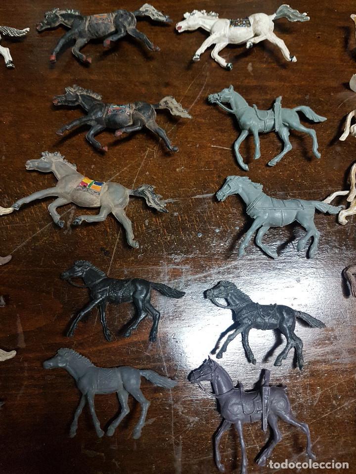 Figuras de Goma y PVC: 105 figuras Reamsa, Comansi, Pech, jJecsan años 40/50 indios, vaqueros, militares, soldados animales - Foto 10 - 194305117