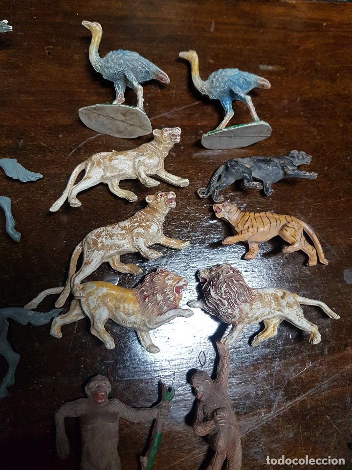 Figuras de Goma y PVC: 105 figuras Reamsa, Comansi, Pech, jJecsan años 40/50 indios, vaqueros, militares, soldados animales - Foto 11 - 194305117