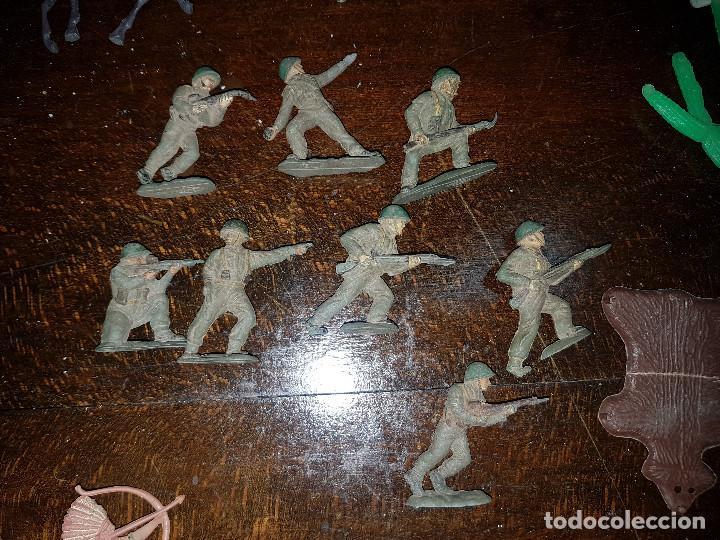 Figuras de Goma y PVC: 105 figuras Reamsa, Comansi, Pech, jJecsan años 40/50 indios, vaqueros, militares, soldados animales - Foto 14 - 194305117