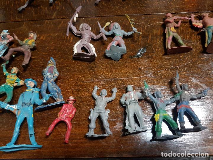 Figuras de Goma y PVC: 105 figuras Reamsa, Comansi, Pech, jJecsan años 40/50 indios, vaqueros, militares, soldados animales - Foto 16 - 194305117