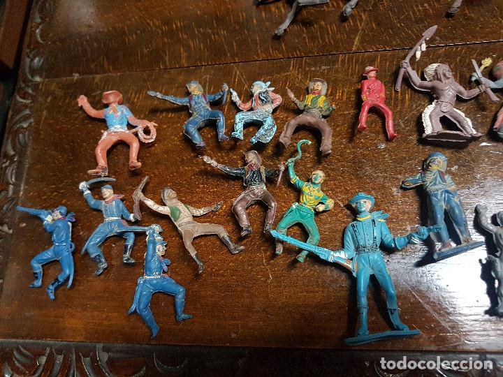 Figuras de Goma y PVC: 105 figuras Reamsa, Comansi, Pech, jJecsan años 40/50 indios, vaqueros, militares, soldados animales - Foto 17 - 194305117