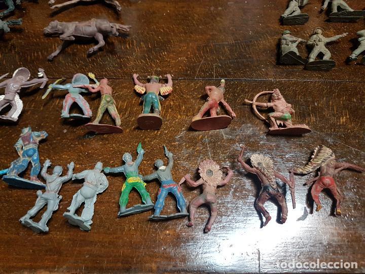 Figuras de Goma y PVC: 105 figuras Reamsa, Comansi, Pech, jJecsan años 40/50 indios, vaqueros, militares, soldados animales - Foto 19 - 194305117