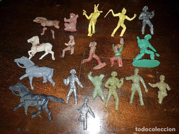 Figuras de Goma y PVC: 105 figuras Reamsa, Comansi, Pech, jJecsan años 40/50 indios, vaqueros, militares, soldados animales - Foto 29 - 194305117
