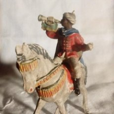 Figuras de Goma y PVC: FIGURA Y CABALLO DE LA GUARDIA MORA DE PECH. Lote 194320245