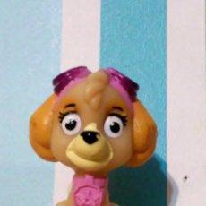 Figuras de Goma y PVC: PERRITA SKYE PATRULLA CANINA SPIN MASTER. Lote 177874404