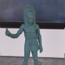 Figuras de Goma y PVC: FIGURA ANTIGUA DE PLÁSTICO DE JEFE INDIO SIN PINTAR. Lote 194325855