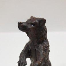 Figuras de Goma y PVC: CRIA DE OSO . POSIBLEMENTE REALIZADA POR OLIVER . AÑOS 70. Lote 194360961
