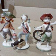 Figuras de Borracha e PVC: 3 FIGURAS DE PIRATAS, RESINA?. Lote 194396752