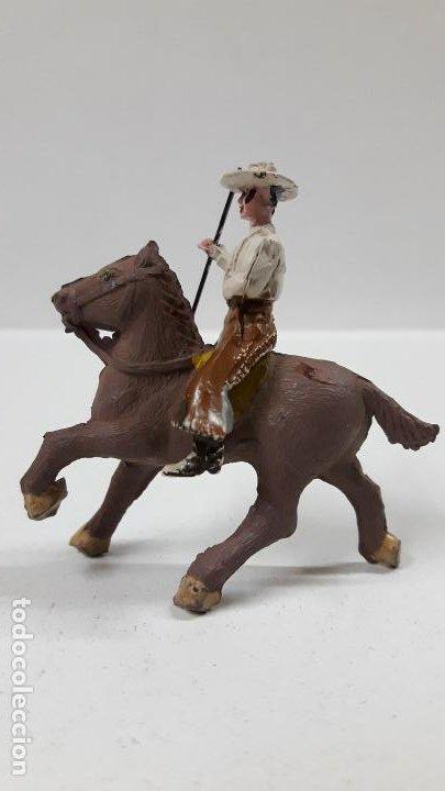 Figuras de Goma y PVC: REJONEADOR A CABALLO . REALIZADO POR PECH . SERIE PEQUEÑA - MUNDO TAURINO . AÑOS 50 EN GOMA - Foto 6 - 194460491