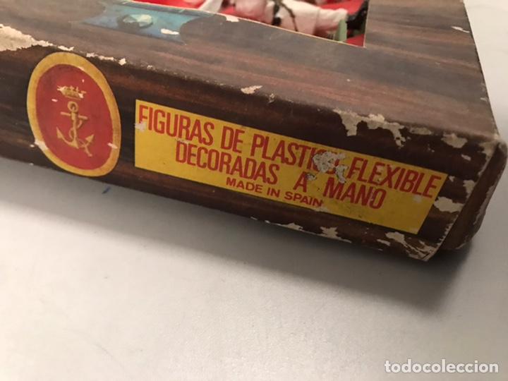 Figuras de Goma y PVC: ANTIGUA CAJA REAMSA - EJÉRCITOS DE ESPAÑA - FIGURAS DE PLÁSTICO FLEXIBLES DECORADAS A MANO - Foto 4 - 194639052