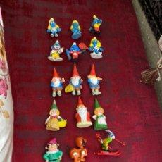 Figuras de Goma y PVC: LOTE DE 20 MUÑECOS DE GOMA ANTIGUOS -DAVID GNOMO . LOS PITUFOS Y OTROS DE LOS AÑOS 80 - VER FOTOS. Lote 194641090