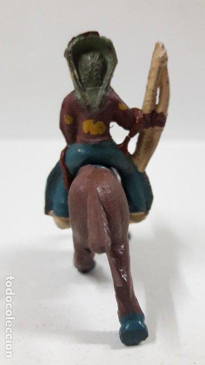 Figuras de Goma y PVC: GUERRERO INDIO A CABALLO . POSIBLEMENTE REALIZADO POR CAPELL . AÑOS 50 EN GOMA . ALTURA 5 CM - Foto 4 - 194649705