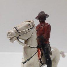 Figuras de Goma y PVC: POLICIA MONTADA DEL CANADA A CABALLO . REALIZADO POR REAMSA . AÑOS 50 EN GOMA. Lote 194718611