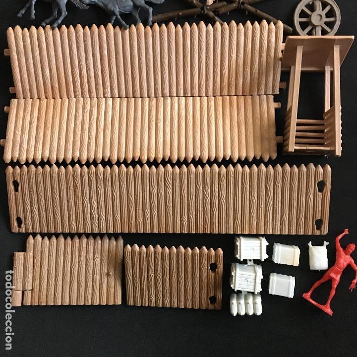 Figuras de Goma y PVC: Lote piezas figuras Far West Comansi fuerte fort apache - Foto 3 - 194757992
