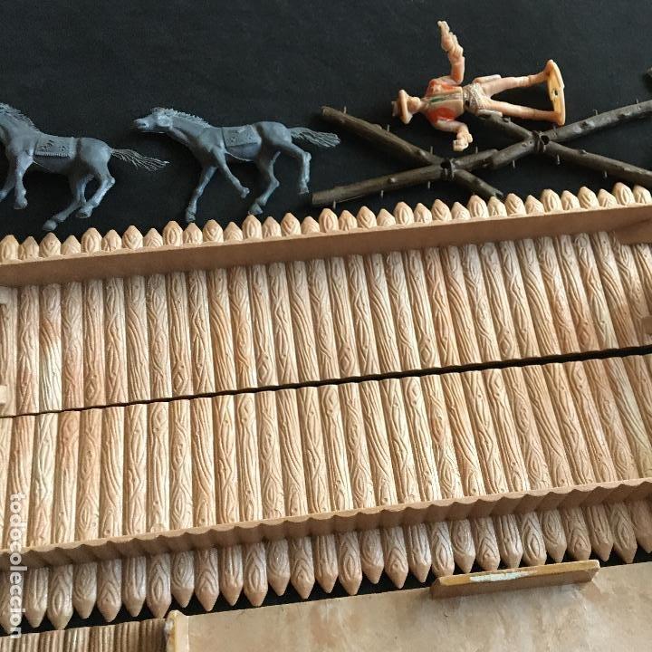 Figuras de Goma y PVC: Lote piezas figuras Far West Comansi fuerte fort apache - Foto 7 - 194757992