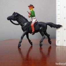Figuras de Goma y PVC: FIGURA DE VAQUERO A CABALLO, EN PLÁSTICO, DE FALOMIR OLIVER. Lote 194860980