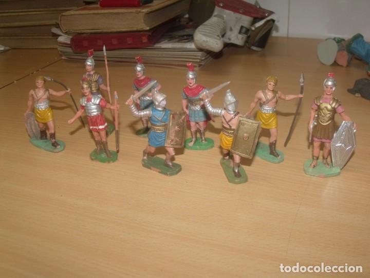 Figuras de Goma y PVC: 9 FIGURAS DE OLIVER, GLADIADORES Y ROMANOS, UNOS 7,5 CMS DE ALTURA - Foto 2 - 194887171