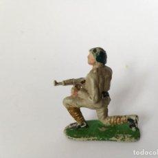 Figuras de Goma y PVC: FIGURA SOLDADO RUSO PECH. Lote 194892763