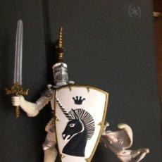 Figuras de Goma y PVC: PAPO. GUERRERO MEDIEVAL 1. Lote 194895513