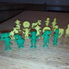Figuras de Goma y PVC: FIGURAS DARGAUD, LUCKY LUKE. 16 PERSONAJES.. Lote 194962642