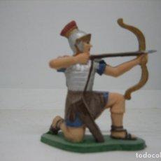 Figuras de Goma y PVC: FIGURA DE UN ROMANO. Lote 195009531