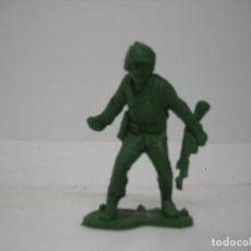 Figuras de Goma y PVC: FIGURA DE UN SOLDADO DE MONTAPLEX. Lote 195009603