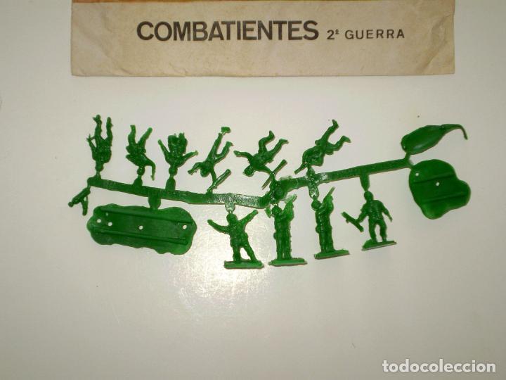 Figuras de Goma y PVC: MONTAPLEX SOBRE PARACAIDISTAS VACÍO + 1 COLADA DE SOLDADOS PARACAIDISTAS AMERICANOS - Foto 3 - 195117840