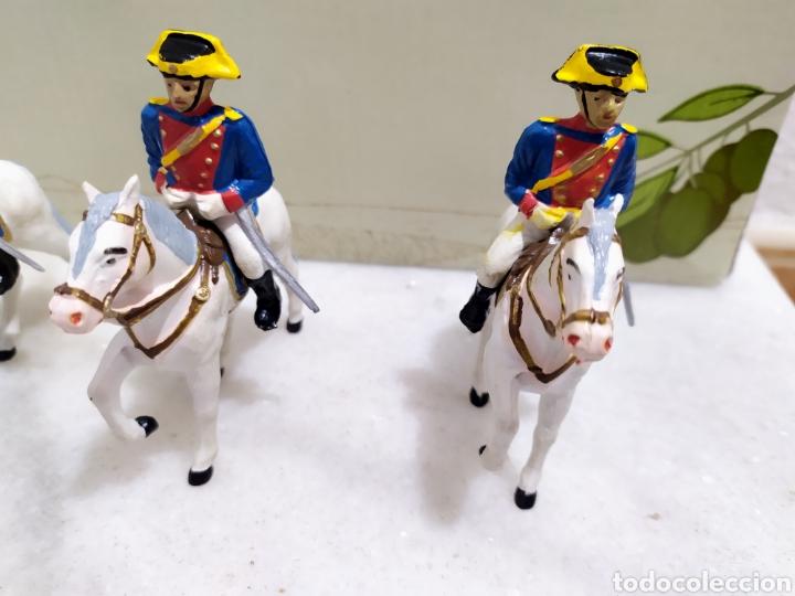 Figuras de Goma y PVC: lote 5 guardia civiles de gala con sus caballos reamsa y gomarsa - Foto 4 - 195124127