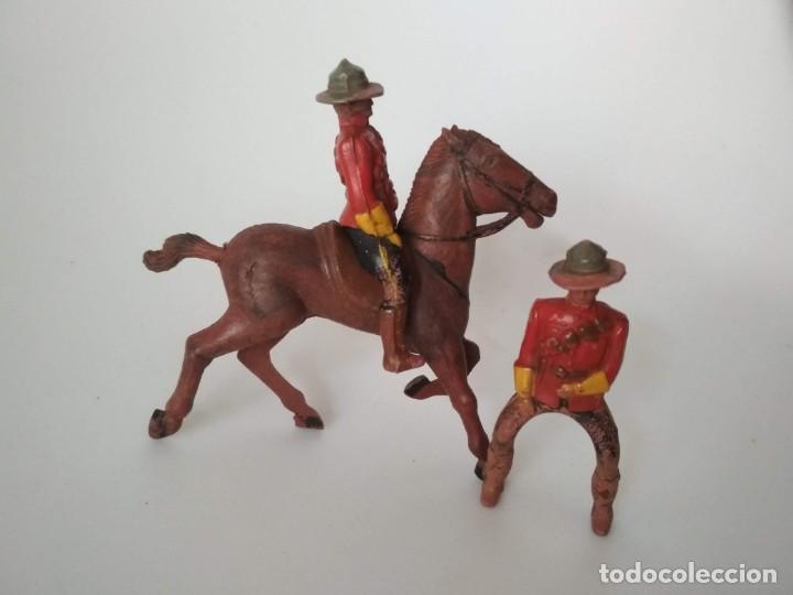 FIGURAS POLICÍA MONTADA DEL CANADÁ GOMA (Juguetes - Figuras de Goma y Pvc - Reamsa y Gomarsa)