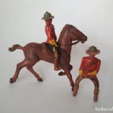 Figuras de Goma y PVC: FIGURAS POLICÍA MONTADA DEL CANADÁ GOMA. Lote 195128143
