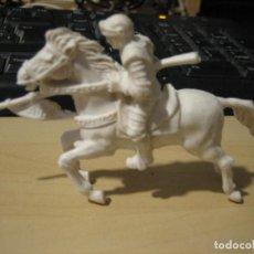 Figuras de Goma y PVC: CABALLAERO AJAX. Lote 195189621