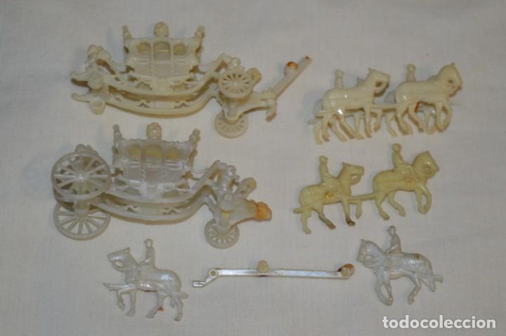 Figuras de Goma y PVC: CARROZA Real de CENICIENTA / De RISKA - MADRID - Años 50/60 - ¡Mira! - Foto 2 - 195315546