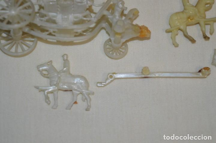 Figuras de Goma y PVC: CARROZA Real de CENICIENTA / De RISKA - MADRID - Años 50/60 - ¡Mira! - Foto 7 - 195315546