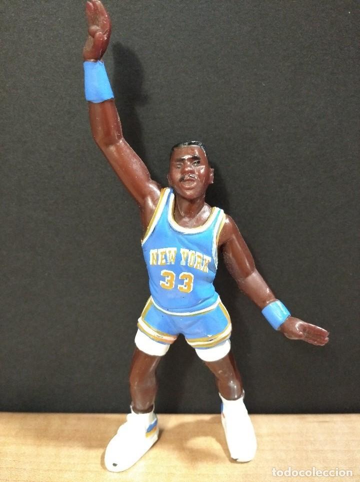 FIGURA JUGADOR NBA EWING DE LOS NEW YORK-15CM APROX.-YOLANDA-1997-VER FOTOS-B1-V1 (Juguetes - Figuras de Goma y Pvc - Otras)