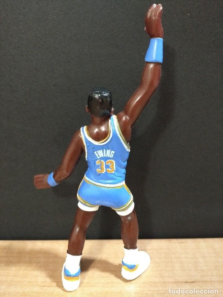 Figuras de Goma y PVC: FIGURA JUGADOR NBA EWING DE LOS NEW YORK-15cm aprox.-YOLANDA-1997-VER FOTOS-B1-V1 - Foto 3 - 195335286
