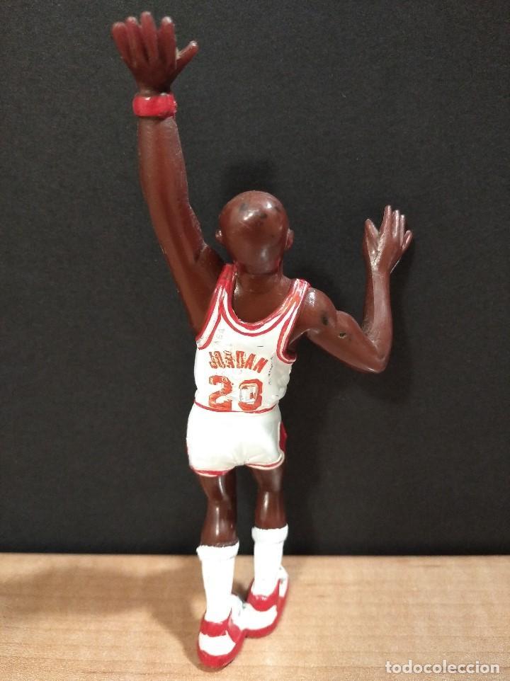 Figuras de Goma y PVC: FIGURA JUGADOR NBA JORDAM DE LOS BULLS-14cm aprox.-YOLANDA-1997-VER FOTOS-B1 - Foto 3 - 195335893