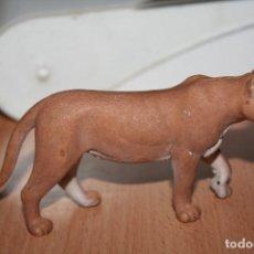 Figuras de Goma y PVC: FIGURA MUÑECO LEONA SCHLEICH 2006. Lote 195408127