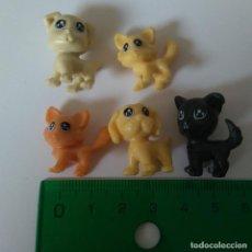 Figuras Kinder: FIGURA KINDER ANIMAL GATITO PERROS PERRITOS GATO MINIATURA MINI MASCOTAS. Lote 195476237