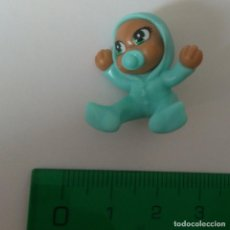 Figuras Kinder: KINDER BEBE NEGRITO MINIATURA MINI BEBITO BABY . Lote 195476371